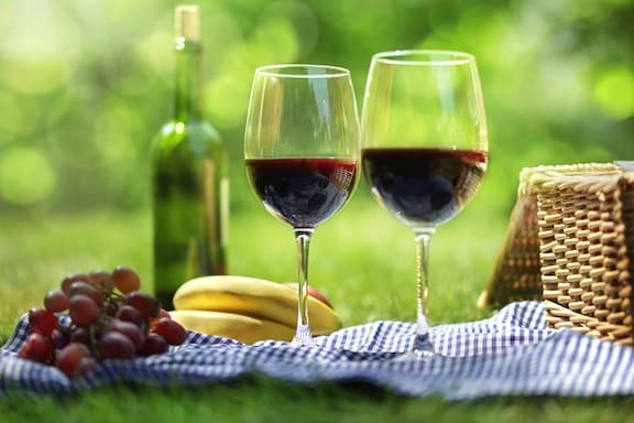 Picnic basket with wine