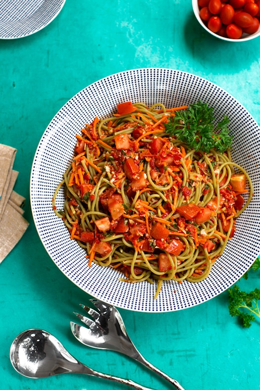 Cold Linguine with artichokes and red peppers