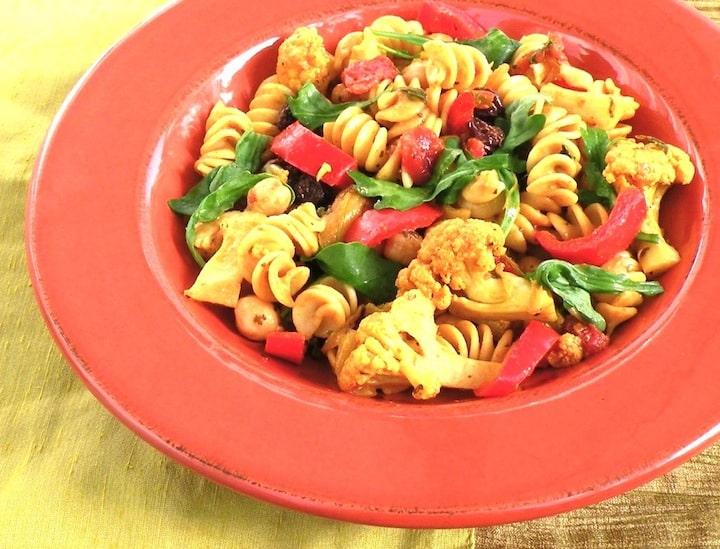 pasta and cauliflower curry