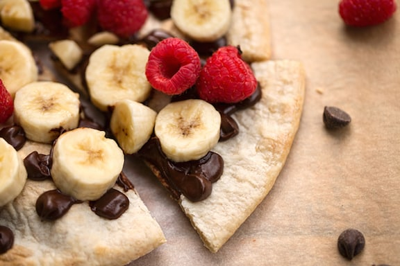 Easy Chocolate Banana Pizza
