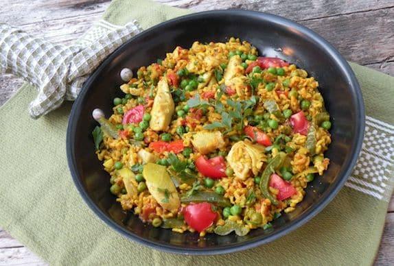 paella vegetariana (veggie-filled vegan paella)