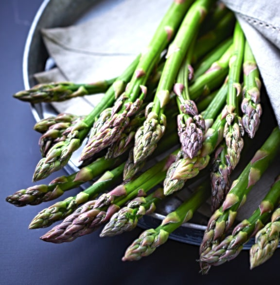 Fresh asparagus in a bowl