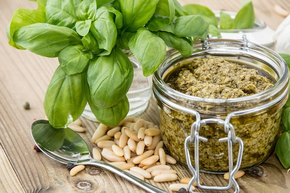 Basil and pine nut pesto