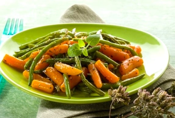 Green beans and carrots sesame
