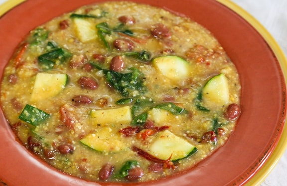 Potage polenta with red beans and spinach