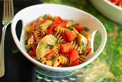 pasta with fresh summer tomatoes and artichokes