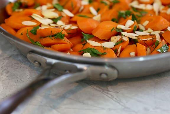 Sautéed Carrots with Almonds
