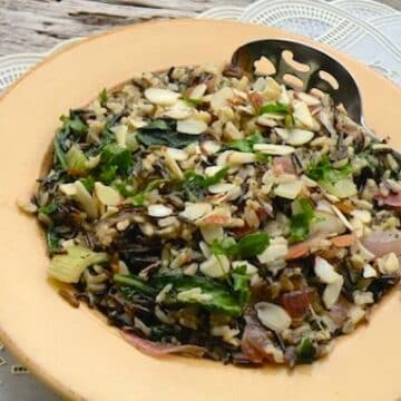 Wild rice pilaf with spinach and almonds