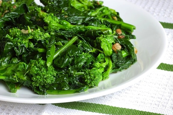Broccoli rabe sauteed in olive oil with garlic recipe