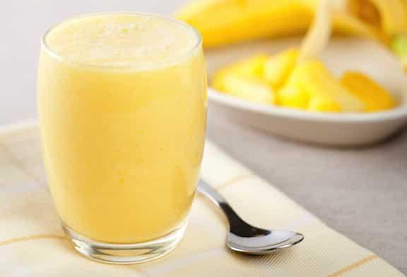 Banana-pineapple smoothie
