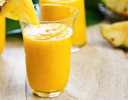 Juicy pineapple smoothie recipe