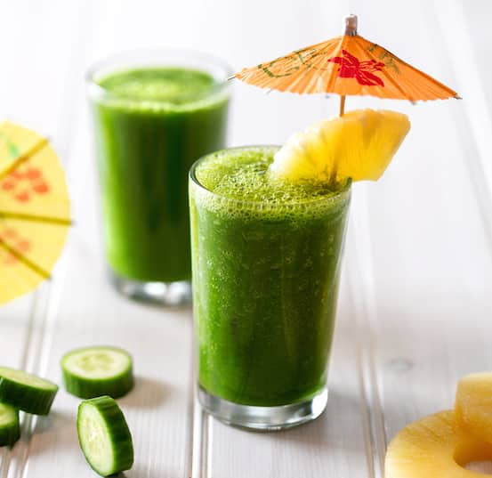 Kale, cucumber, and pineapple smoothie recipe