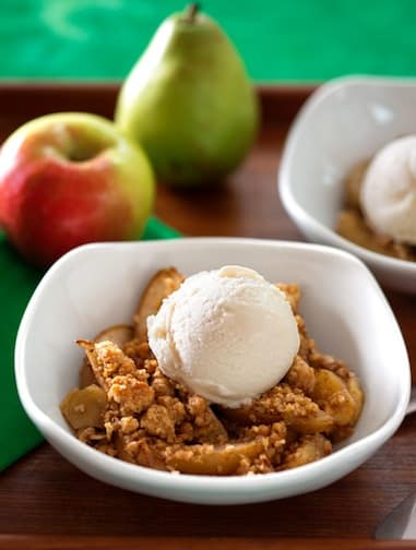 Apple pear crumble1
