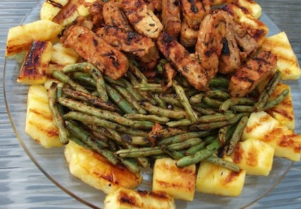 grilled, pineapple, tempeh, and green beans