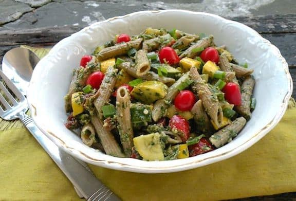 Pasta salad with parsley pesto and two squashes