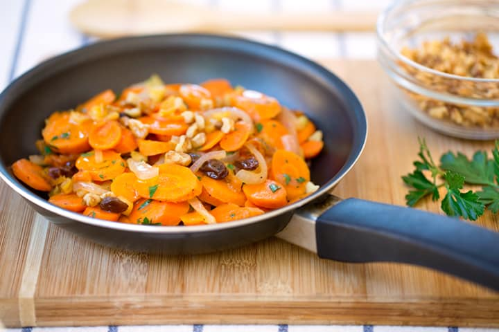 Sautéed Carrots with dried fruits