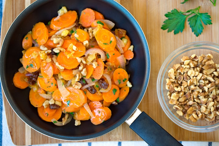 Sautéed Carrots with dried fruits