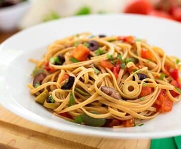 Puttanesca - Pasta with Olive Sauce