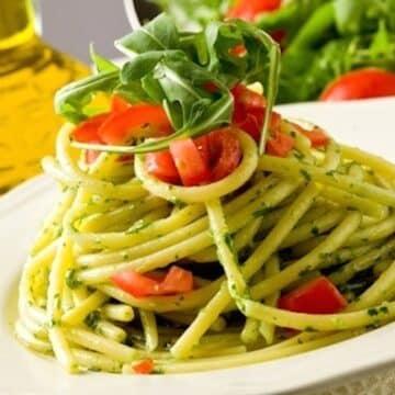 Arugula pasta with fresh tomatoes