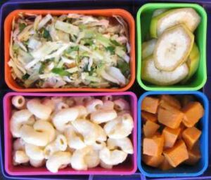 macaroni and cheese in bento box lunch