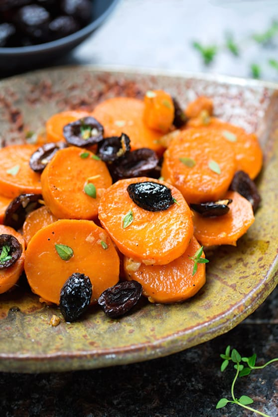Sweet potatoes with olives and thyme