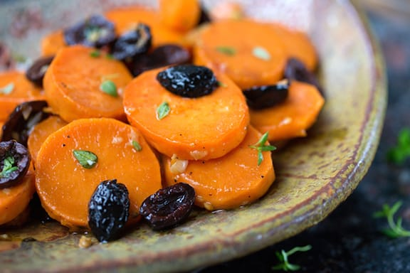 Thyme-scented Sweet potatoes with olives