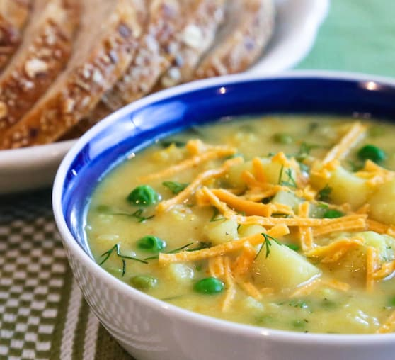 Vegan cauliflower and cheddar soup recipe