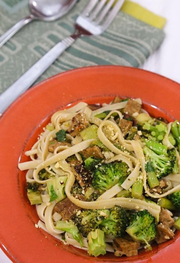 Vegan Fettuccine Carbonara with Broccoli reciipe