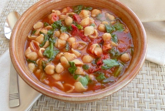 tomato chickpea soup with tiny pasta