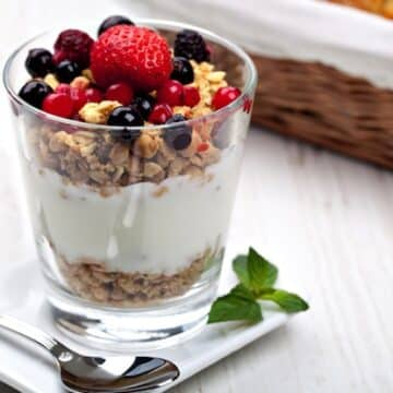 fruit and yogurt parfait recipe