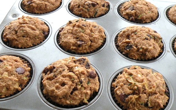 Zucchini-raisin muffins recipe