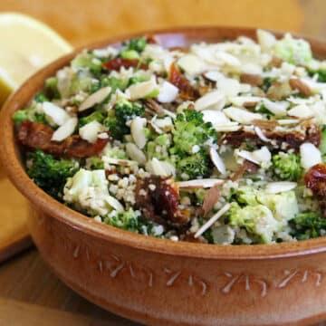 Lemony couscous with broccoli