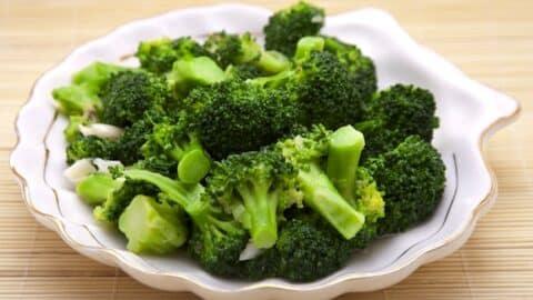 Broccoli ina seashell dish