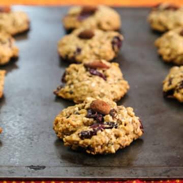 Sesame-Crispy Rice Cookies