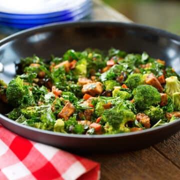 Tempeh and veggie breakfast skillet