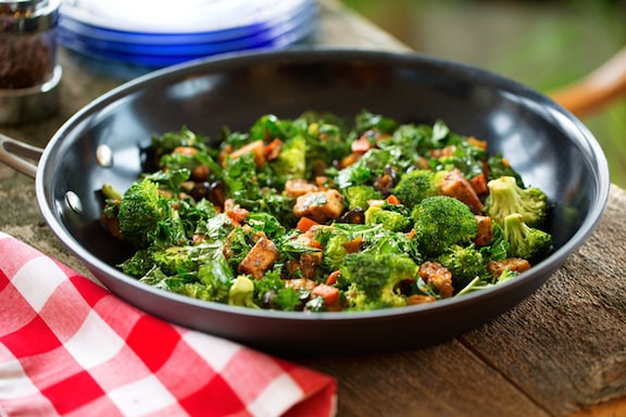 Tempeh and veggie breakfast skillet