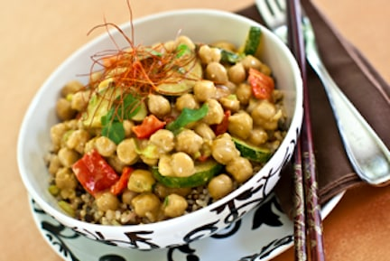 thai chickpea-almond curry