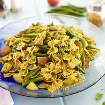 pesto pasta with potatoes and green beans