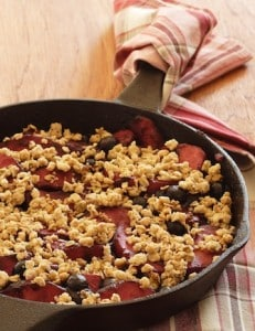 Skillet apple-berry crumble detail