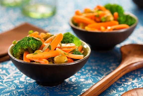 Carrot and broccoli salad recipe