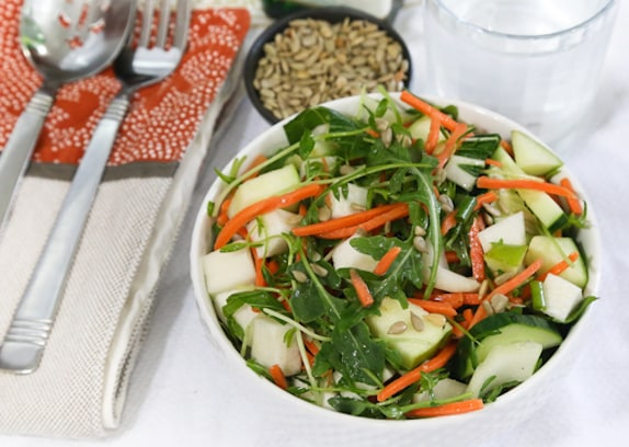 Green salad with apples and sprouts