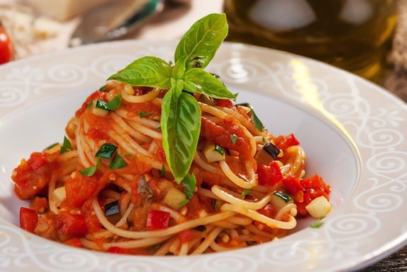 Spaghetti aglio olio with fresh and dried tomatoes recipes