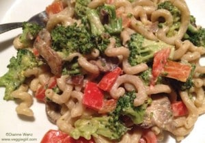 Pasta with Vegan Alfredo Sauce