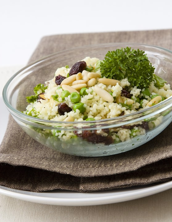 Couscous with peas and raisins