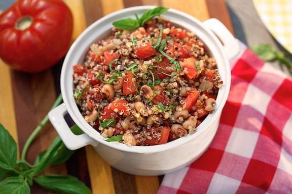 Quinoa with black-eyed peas and tomatoes