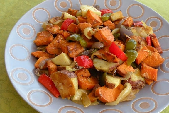 Roasted potatoes with bell peppers and onions recipe