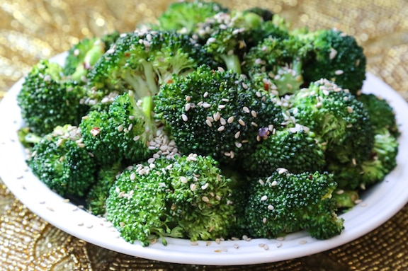 Simple stir-fried sesame broccoli
