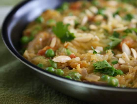 Spagheti squash with peas and almonds recipe
