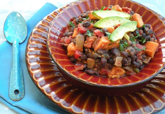 Quick Black Bean and Sweet Potato Chili Vegan Thanksgiving Recipe | Vegan Thanksgiving Recipes Every Guest Will Love