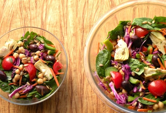 Spinach, chickpea, and artichoke salad recipe